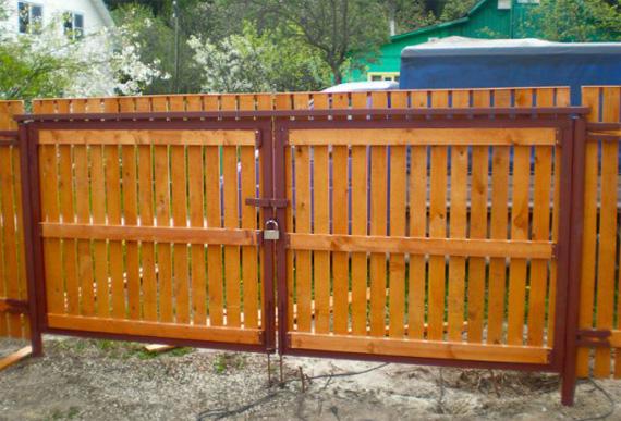 ворота с замком