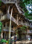 The Worlds Largest Treehouse In Crossville Tennessee
