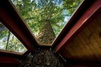 Дом на дереве вид из окна