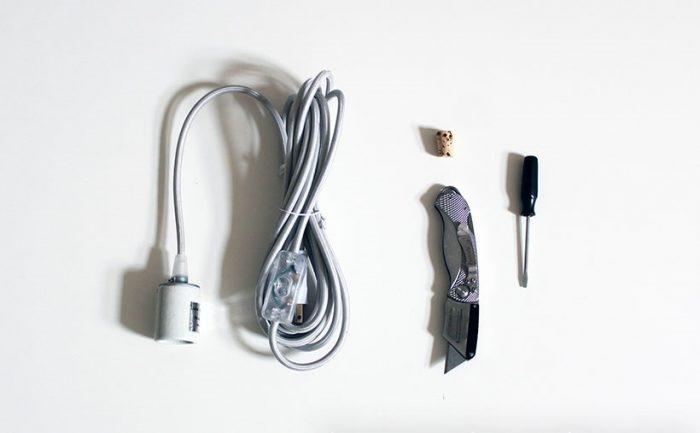 провод и выключателем и цоколем